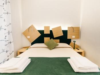 Vista del letto della stanza Verde