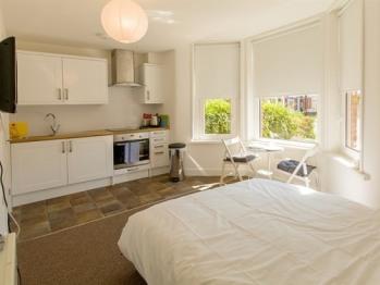 Beddoe Apartments - Studio-Apartment-Private Bathroom-Max 2 Persons