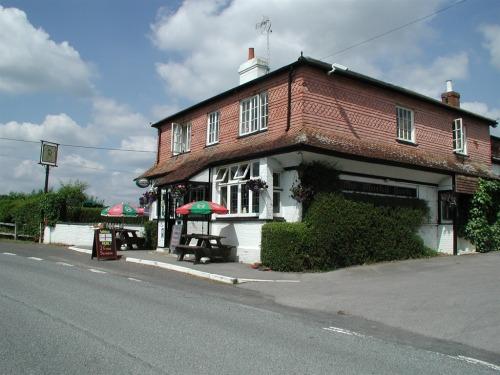 Front View of Mucky Duck Inn