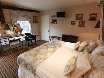 Suite-Private Bathroom-Hedingham