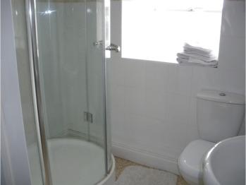 The Granary En-suite Shower Room