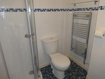Ashbury Tor Apartment Bathroom