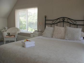 Double room-Ensuite with Shower-2