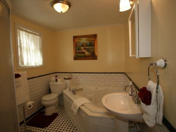 Rioja Room Bath