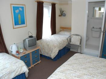 Kentmere Guest House - Family Room for Four
