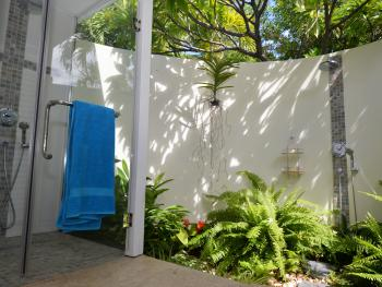 Salle de bains extérieure Chambre BADAMIER