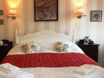Comfortable Pink Room at Dowfold House Luxury Bed and Breakfast