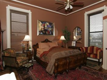 Lady D Suite- Queen Bed, PRIVATE BATH W/WALK IN SHOWER- 2ND FLOOR