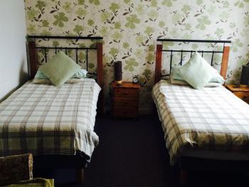 Twin room-Ensuite-Disabled Access