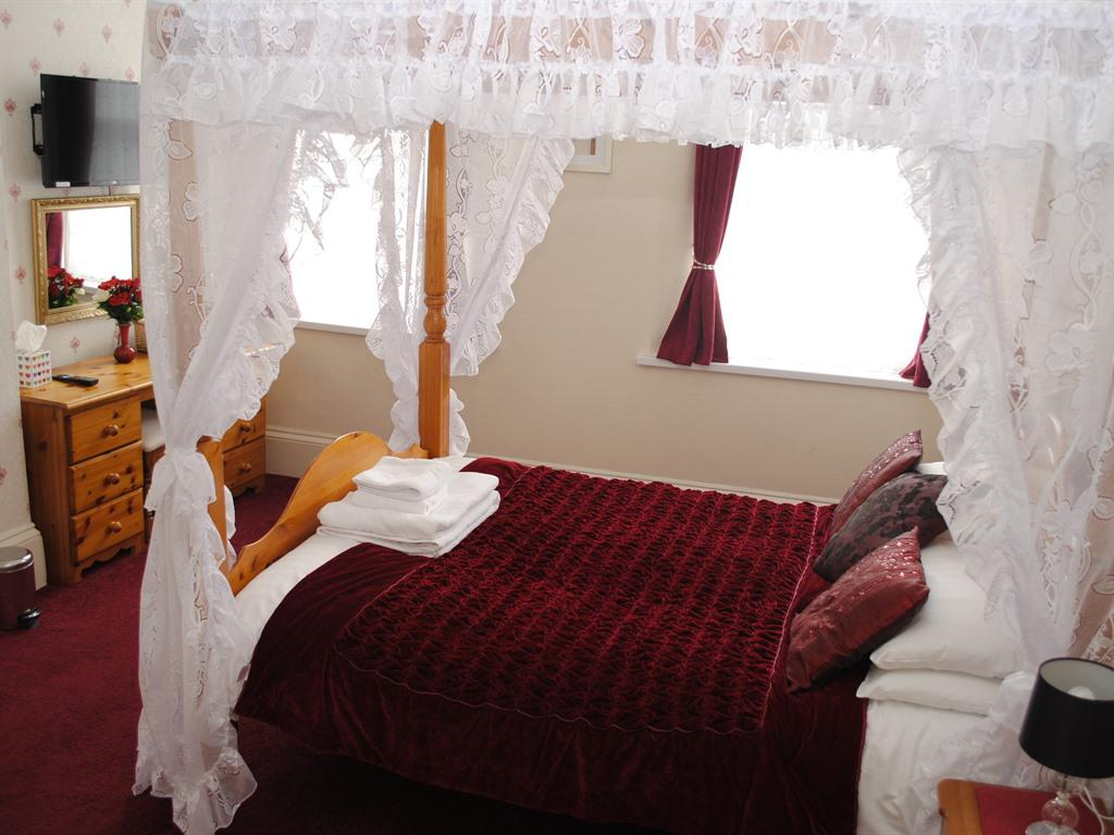 Double room-Superior-Ensuite with Shower-Four-poster Bed