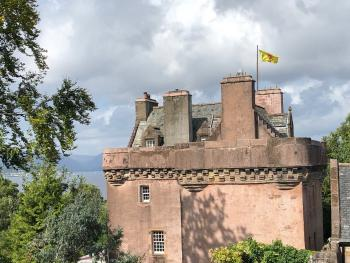 Castle Levan B&B -