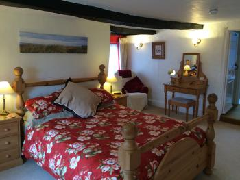 First Floor Family Suite Kingsize Double Room, twin room and En-suite Bathroom 2A 2C