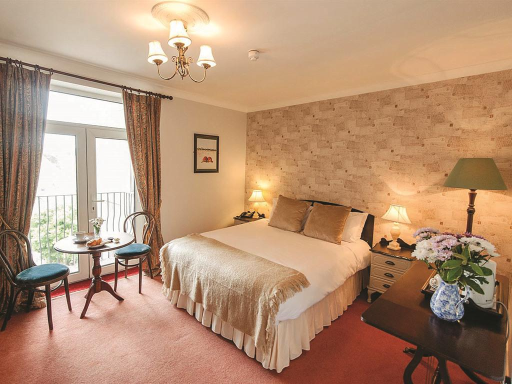 Double room-Classic-Ensuite with Shower-Balcony - Base Rate