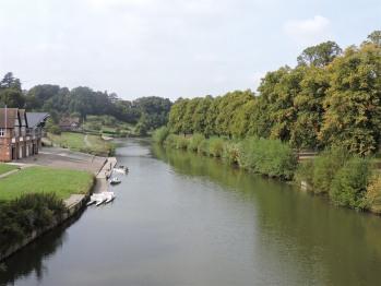 View north on Kingsland Bridge