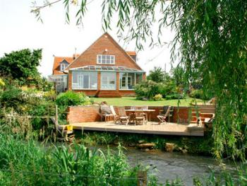 Bridge Cottage - Bridge Cottage By The River