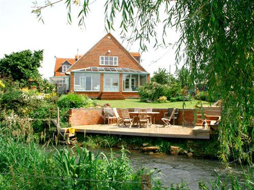 Bridge Cottage By The River