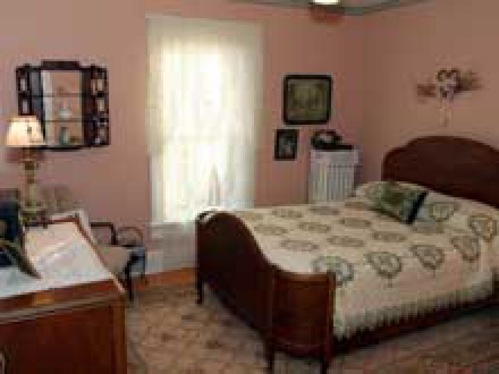 Double room-Shared Bathroom-Standard-Street View-Maid's Quarters