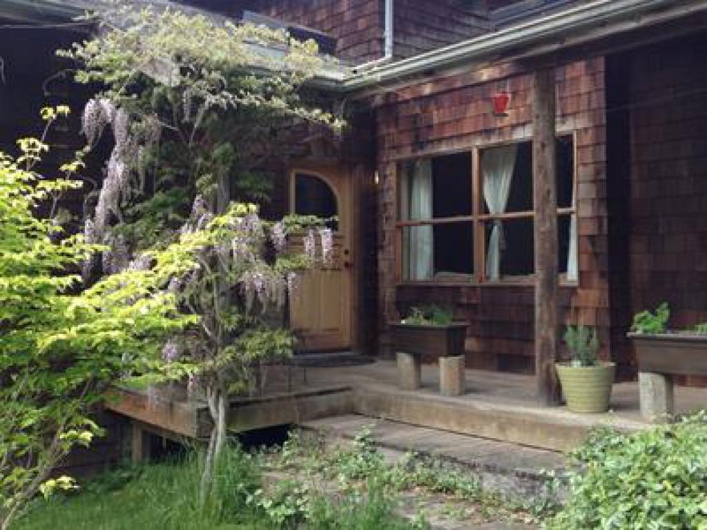 Apartment-Ensuite-Standard-Farm House