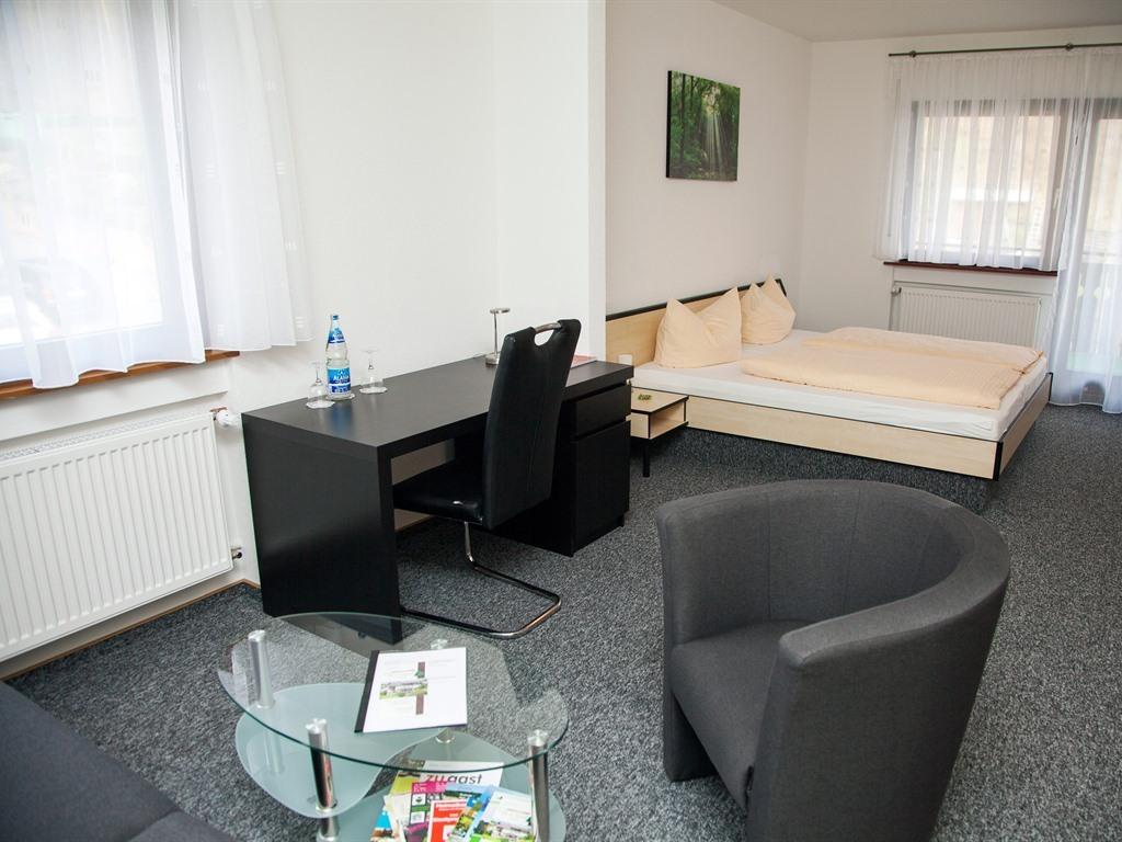 Doppelzimmer-Premium-Ensuite-Balkon - Standardpreis