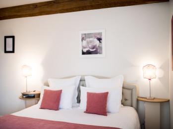 """Chambre d'hôtes """"Les Roses"""" (Standard) - Domaine le Clos du Phare"""