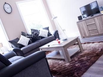 Lux Aparts Wakefield Central - Lounge Area