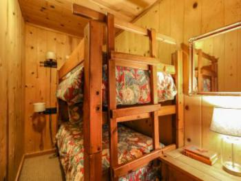 Bunk Bed Nook, Room 3