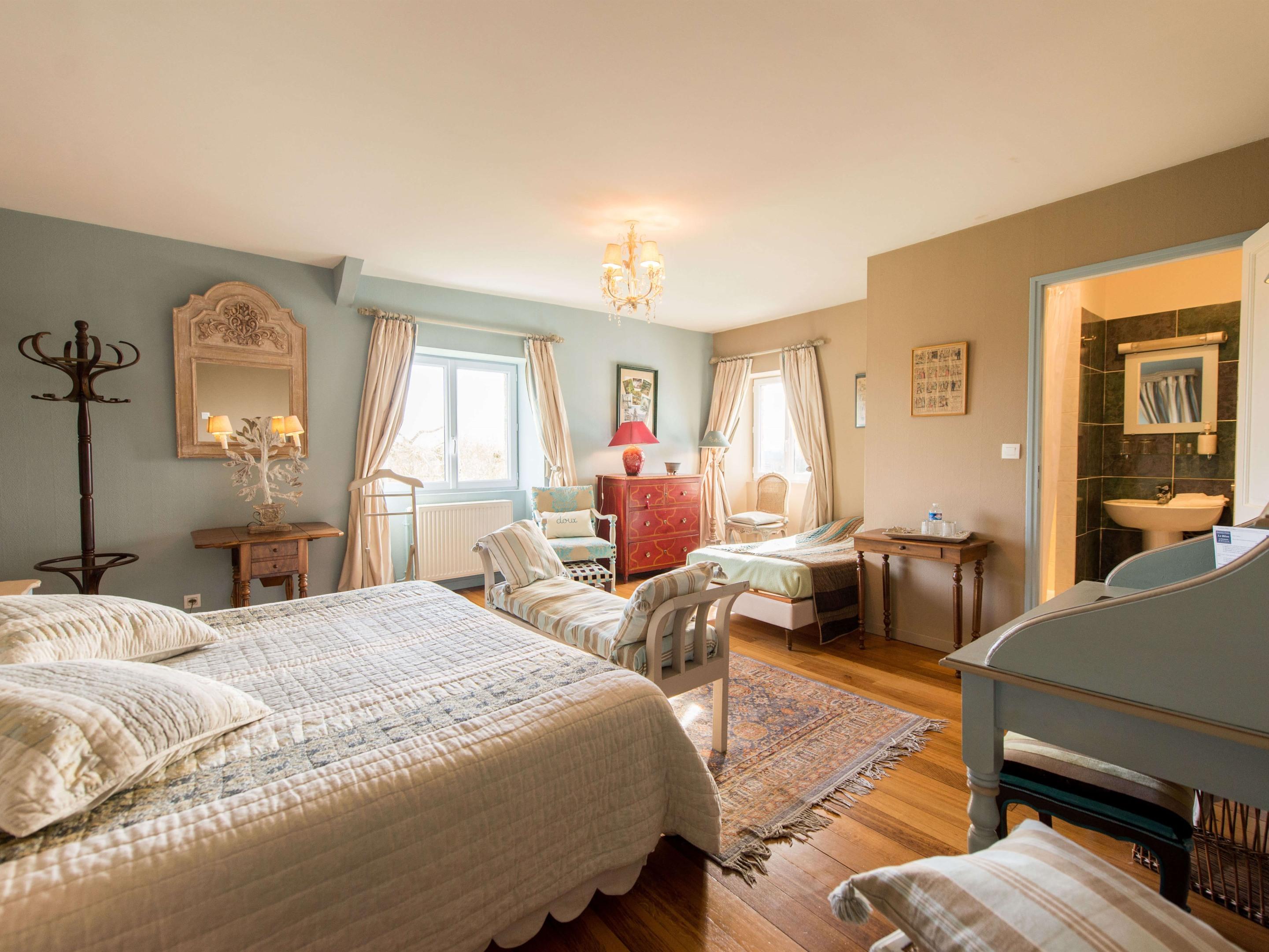 """Chambre Suite """"Peuplier"""", vue sur jardin avec salle de bain Privée"""