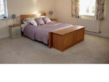Jazmin King size deluxe room with family option