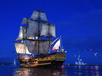 """Sorties en mer sur des navires d'exception, disponible dans """"ajout d'extras"""" au moment de votre réservation"""