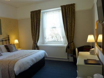 King-Superior-Ensuite with Bath-Street View-Room 3
