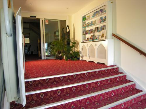 Spacious entrance Hall showing the lift for all disabled including wheelchhair users