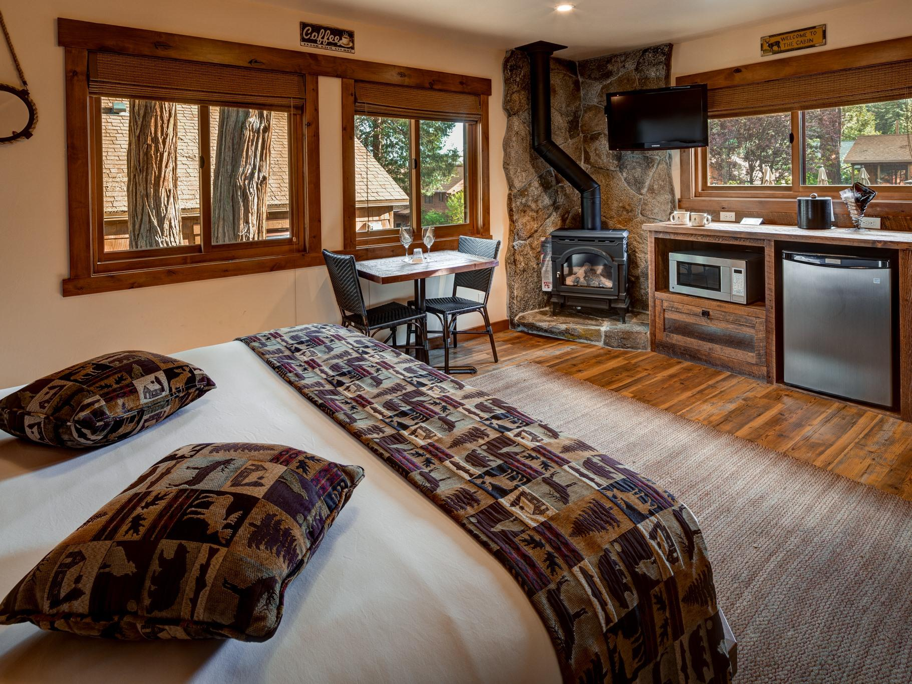 King Studio Cottage-Cabin-Ensuite with Jet bath-Luxury