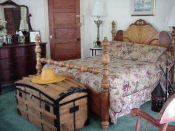 Tennyson Guestroom
