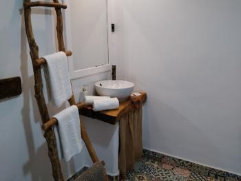 Suite-De gran tamaño-Baño con ducha-Vista al Jardín - Tarifa Base