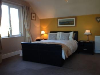Double room-Ensuite-Deicin View