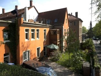 Aussenansicht unseres Hauses auf dem Dammweg 24,01097 Dresden