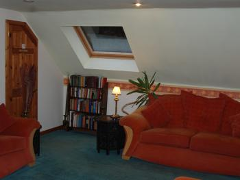 Ardlochay Lodge - Part of the lounge area