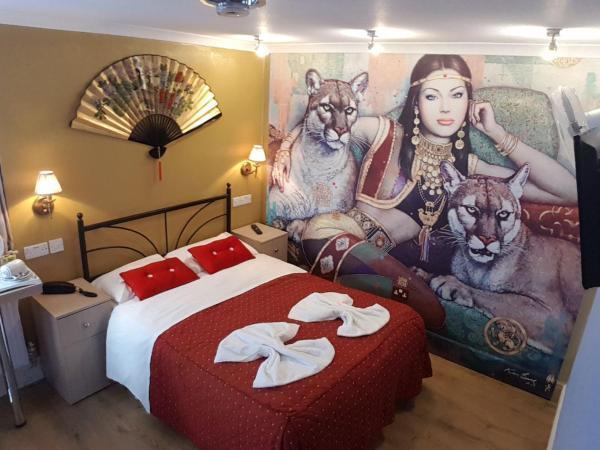 Double room-Standard-Ensuite-Mural Double Superior - Double room-Standard-Ensuite-Mural Double Superior
