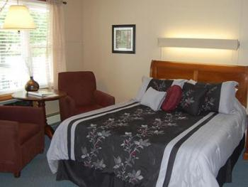 07 -1 Queen size bed-Single room-Queen-Ensuite - Base Rate