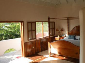 Triple room-Ensuite-Standard-Sea View-Tree Top Cottage