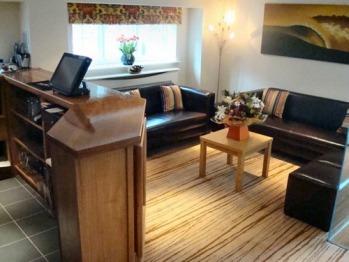 Waves Restaurant Lounge & Bar Area