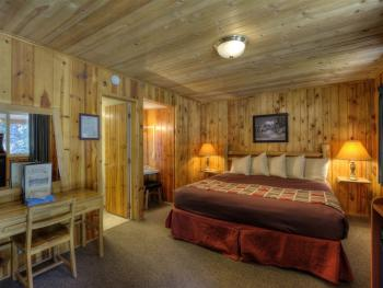 #43 One King Bed Duplex-Cabin-Private Bathroom