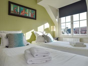la chambre avec les lits jumeaux