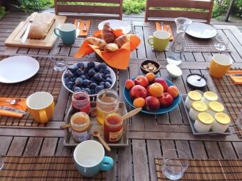 Petit déjeuner au Clos des Aspres _ Maison d'hôtes de charme proche de Collioure