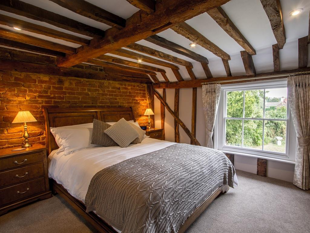 Double room-Standard-Ensuite with Bath-Garden View - Base Rate