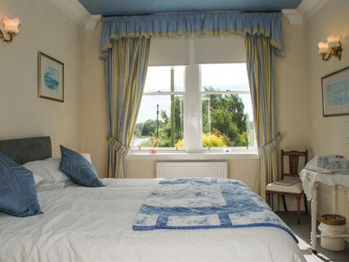 Double or Twin Room (Garden View)