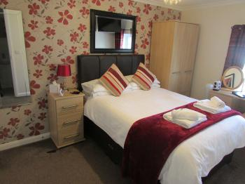 Room 5 - Double En-Suite