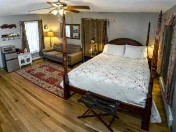 Magpie Room #1