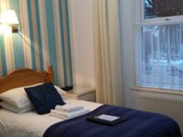 Single Room with En-suite Shower (Ground Floor)