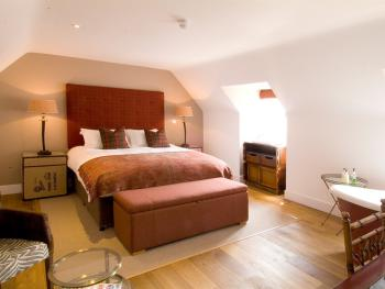 The Percy Arms - Ndlov Executive Room with Slipper Bath